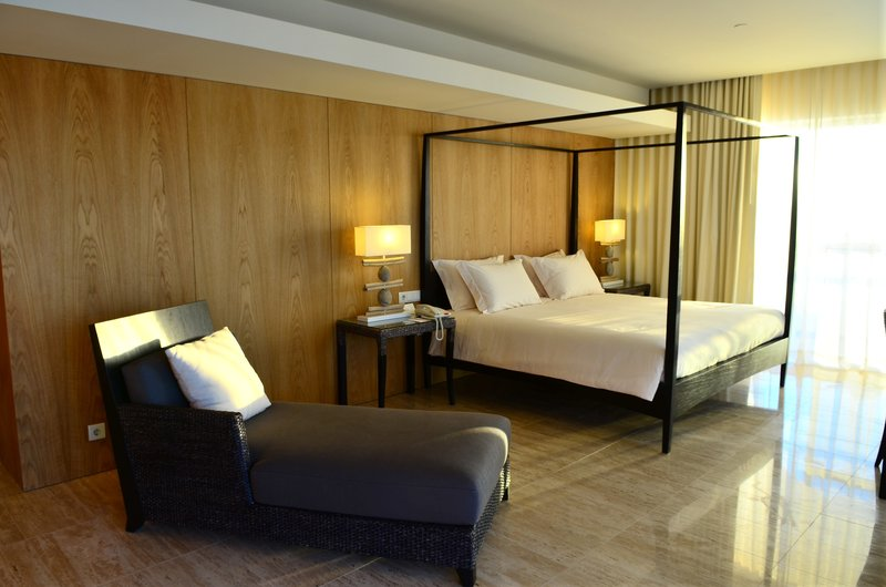 Crowne Plaza Vilamoura - Algarve-Presidential Suite bedroom<br/>Image from Leonardo