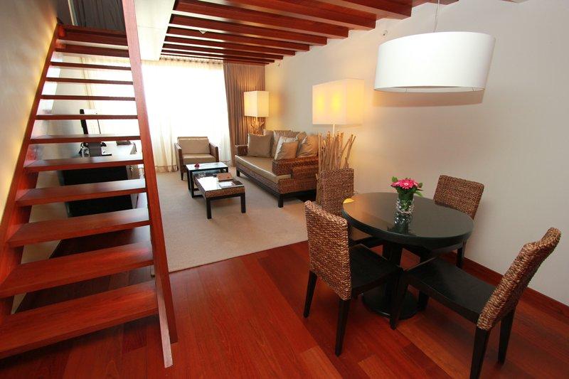 Crowne Plaza Vilamoura - Algarve-Suite Deluxe Entrance<br/>Image from Leonardo