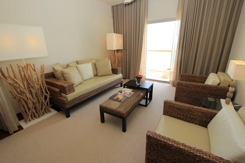 Crowne Plaza Vilamoura - Algarve-Junior Suite Sitting Area<br/>Image from Leonardo