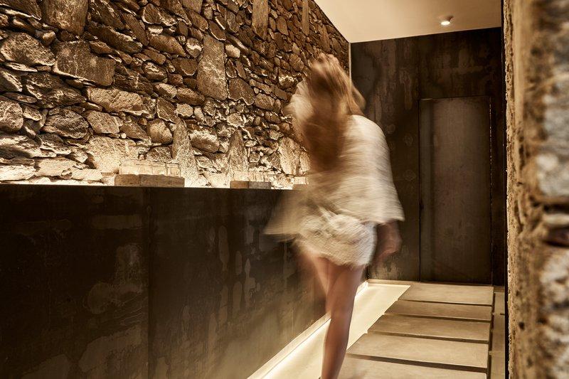 Poseidon Hotel-Liostasi Spa<br/>Image from Leonardo
