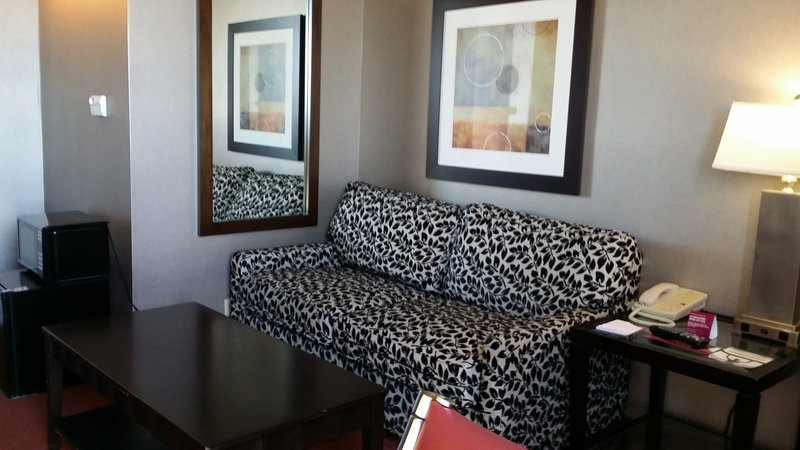 Crowne Plaza Sacramento Northeast-Guest Room<br/>Image from Leonardo