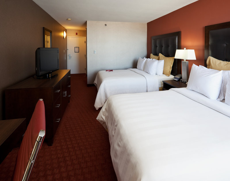 Crowne Plaza Sacramento Northeast-Guest Room Double/Double 2<br/>Image from Leonardo