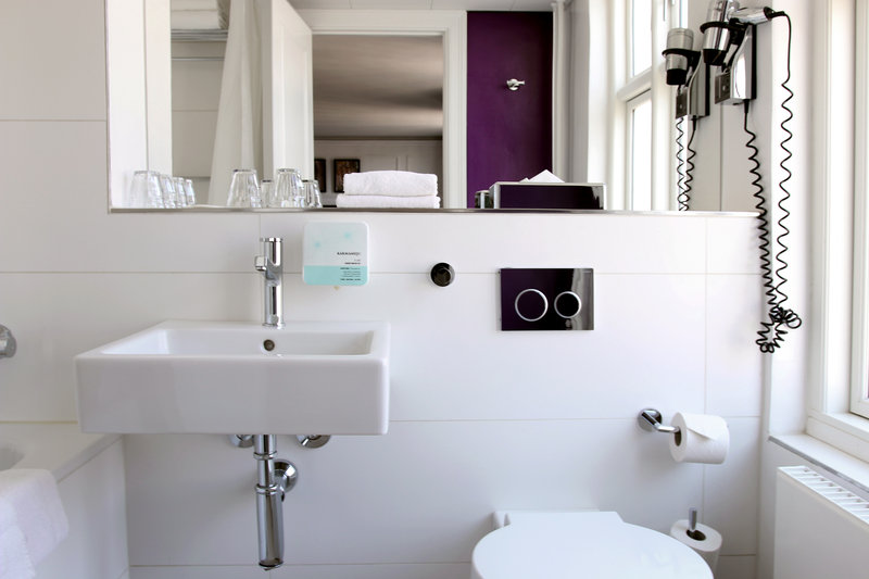 Absalon Hotel-Absalon-Bathroom-Purple<br/>Image from Leonardo