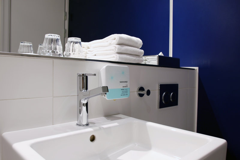 Absalon Hotel-Absalon-Bathroom-Blue<br/>Image from Leonardo