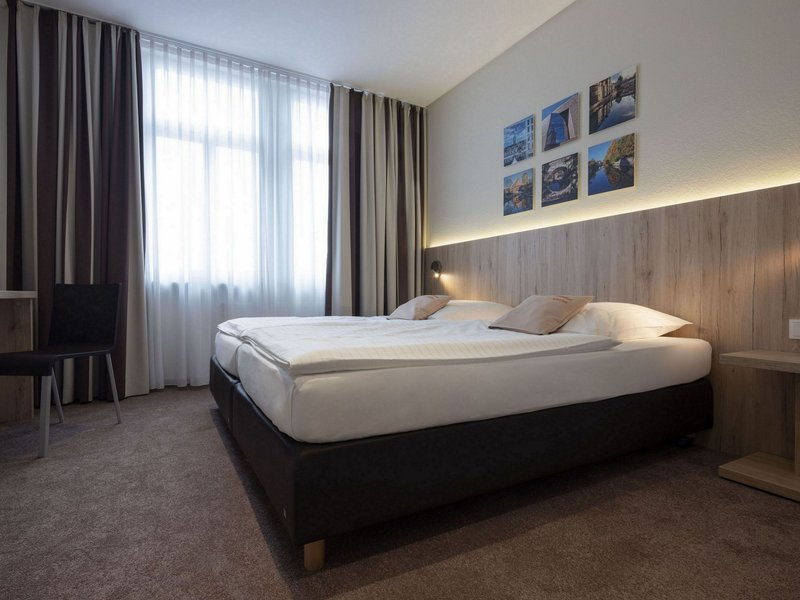 Victoria Hotel-Business Single Room<br/>Image from Leonardo
