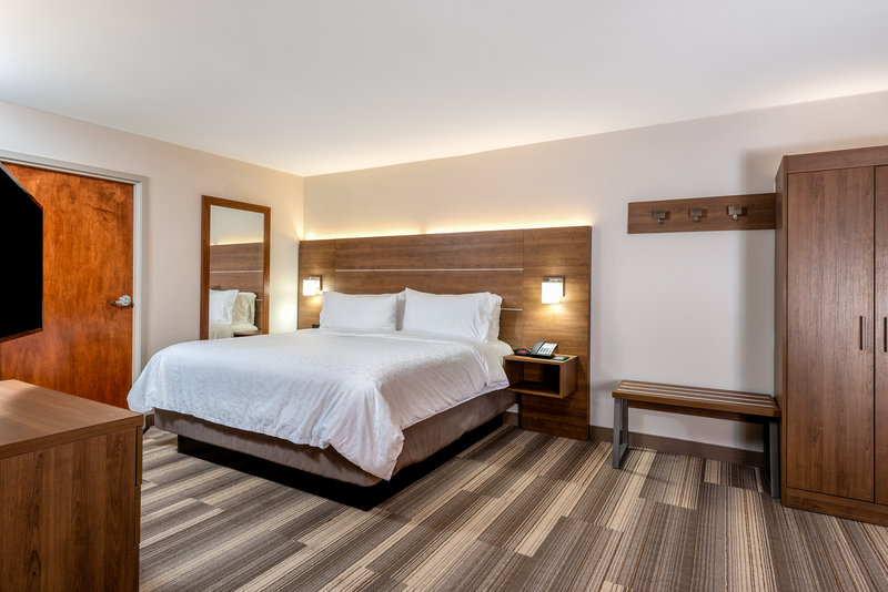 Holiday Inn Express Chapel Hill-Enjoy our suite while cheering on the Tar Heels!<br/>Image from Leonardo