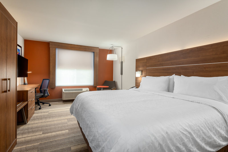 Holiday Inn Express Chapel Hill-Accessible King Room with remote controlled blinds!<br/>Image from Leonardo