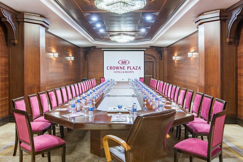 Crowne Plaza Antalya-VIP Boardroom<br/>Image from Leonardo