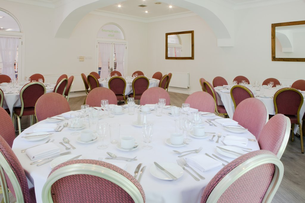 Holiday Inn Corby - Kettering A43-Little Diamond Suite private dining<br/>Image from Leonardo