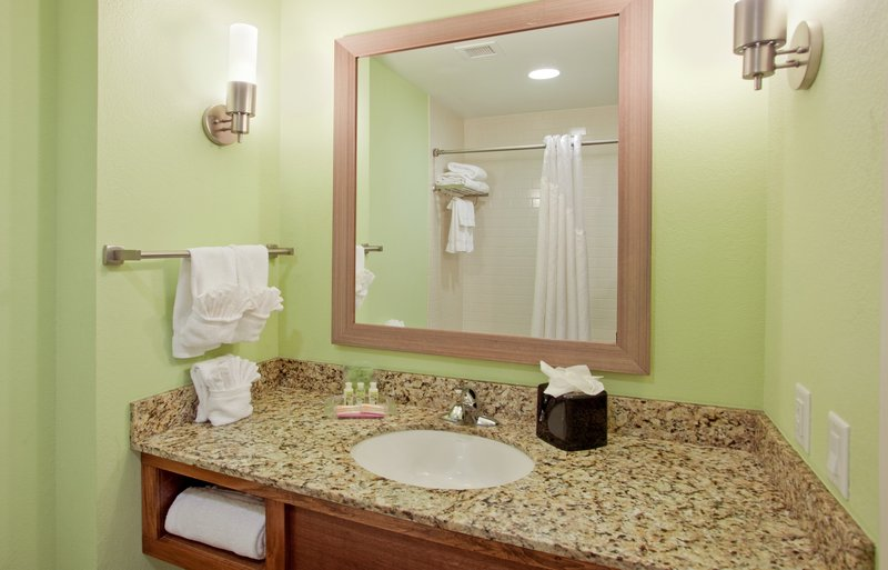 Holiday Inn Resort Pensacola Beach Gulf Front-Get ready with ease in our well equipped bathrooms<br/>Image from Leonardo