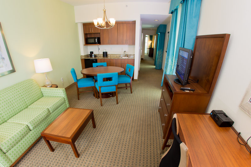 Holiday Inn Resort Pensacola Beach Gulf Front-Family Suite with views of the Santa Rosa Sound<br/>Image from Leonardo
