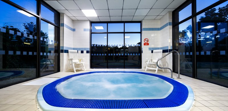 Holiday Inn Brentwood M25, Jct.28-Swimming Pool<br/>Image from Leonardo