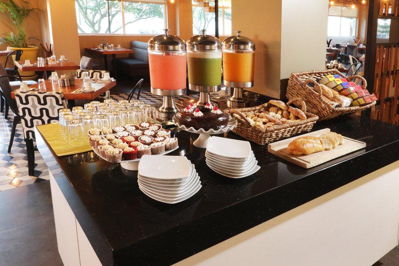 Holiday Inn Hotel & Suites Hermosillo Aeropuerto-Buffet<br/>Image from Leonardo