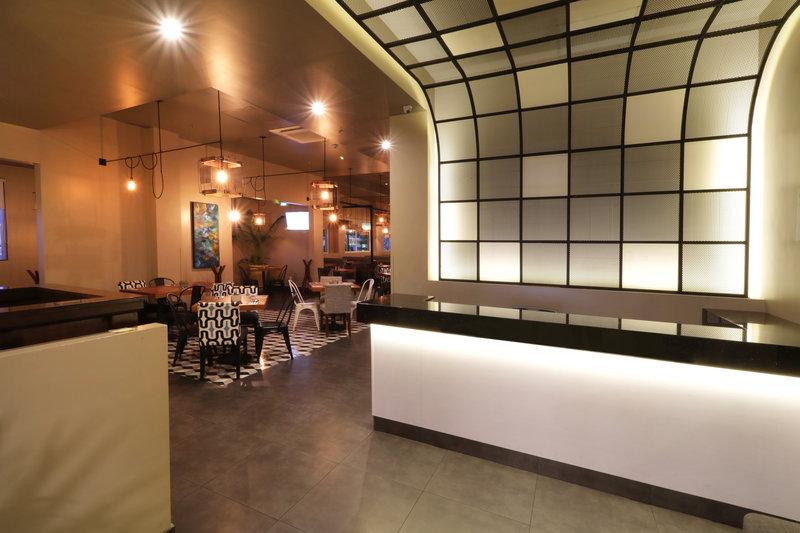 Holiday Inn Hotel & Suites Hermosillo Aeropuerto-Restaurant<br/>Image from Leonardo