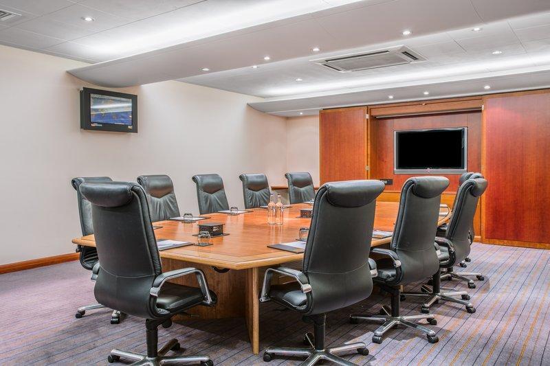 Crowne Plaza Nottingham-Board Room<br/>Image from Leonardo