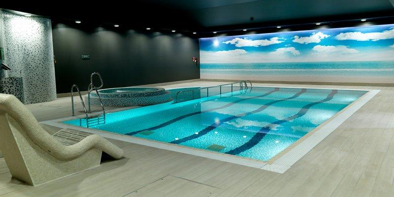 Crowne Plaza Nottingham-Swimming Pool<br/>Image from Leonardo