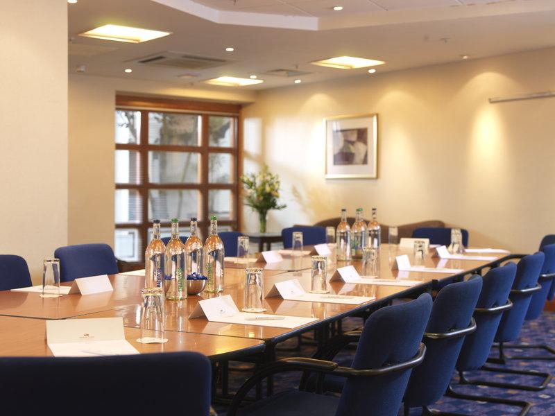 Crowne Plaza Nottingham-St James Meeting Room<br/>Image from Leonardo