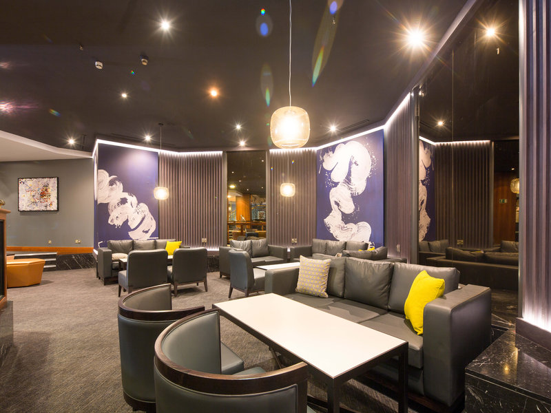 Crowne Plaza Nottingham-Hotel Lobby<br/>Image from Leonardo