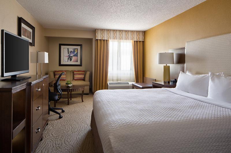 Crowne Plaza Dallas Galleria-Standard King Guest Room<br/>Image from Leonardo