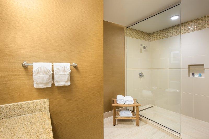 Crowne Plaza Dallas Galleria - Addison-Presidential Suite Bath<br/>Image from Leonardo