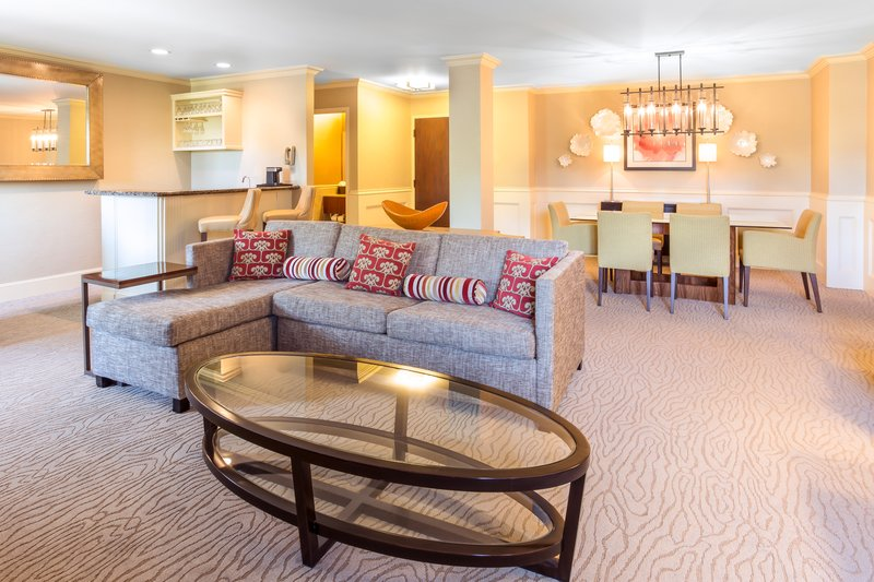 Crowne Plaza Dallas Galleria-Presidential Suite Living Area<br/>Image from Leonardo