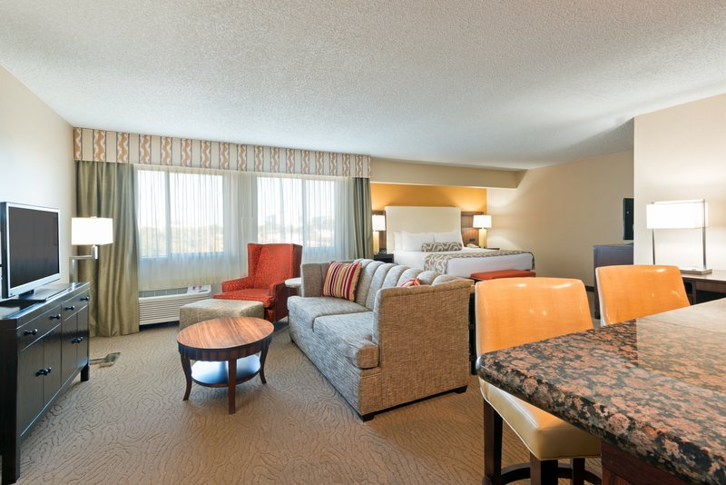 Crowne Plaza Dallas Galleria - Addison-Our Executive Suites give you more comfort and convenience<br/>Image from Leonardo