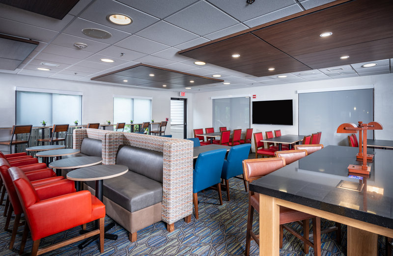 Holiday Inn Express Middletown/Newport-Breakfast Area<br/>Image from Leonardo