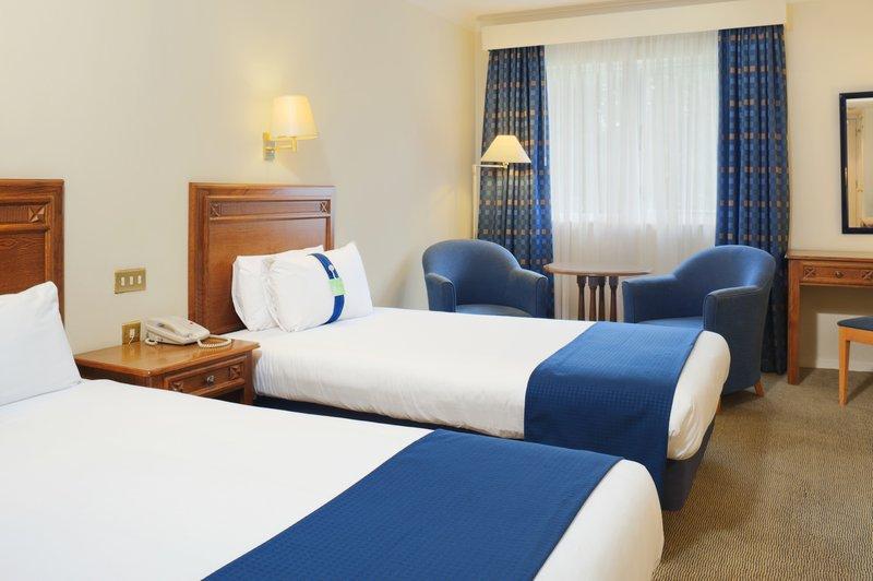 Holiday Inn Maidstone - Sevenoaks-Standard Twin Room<br/>Image from Leonardo