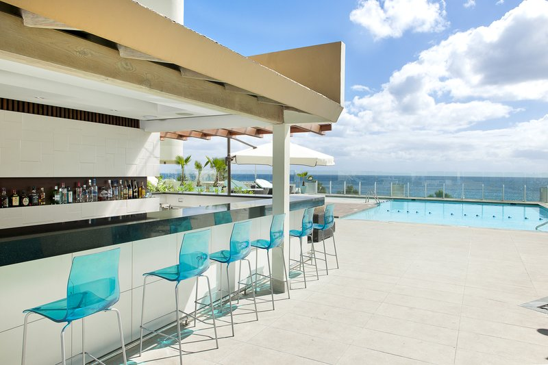 Crowne Plaza Santo Domingo-Las Olas Pool Bar & Pool Area<br/>Image from Leonardo