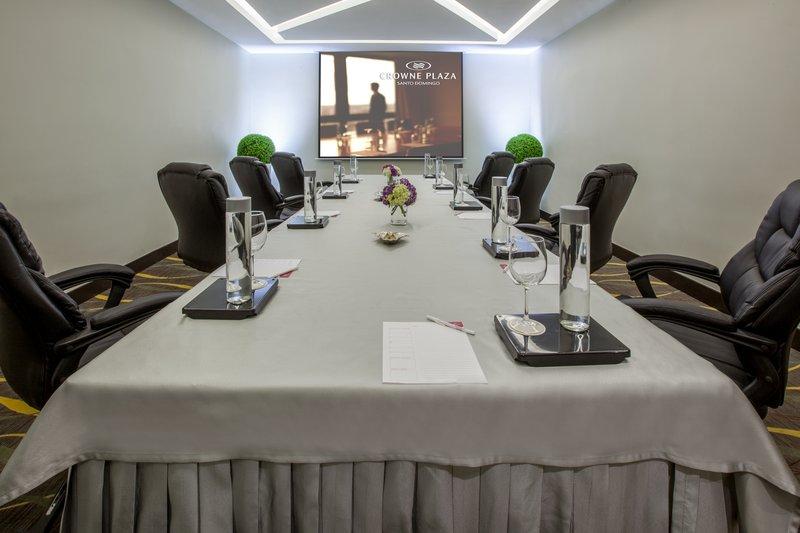 Crowne Plaza Santo Domingo-Board Room<br/>Image from Leonardo