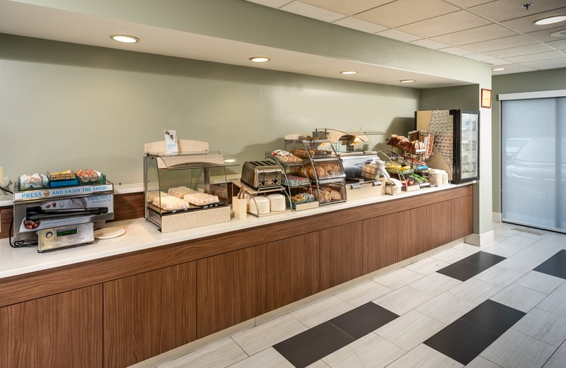 Holiday Inn Express Middletown/Newport-Breakfast Buffet<br/>Image from Leonardo