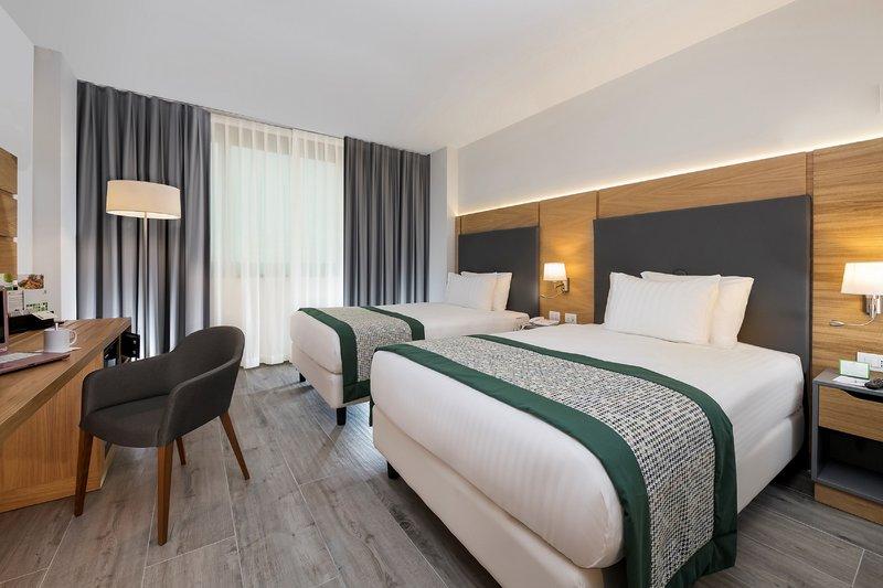 Holiday Inn Naples-2 double bd executive non smoking<br/>Image from Leonardo