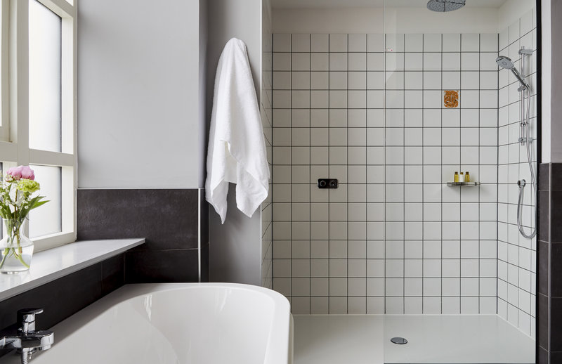 Hotel Indigo Dundee-Bathroom Amenities<br/>Image from Leonardo