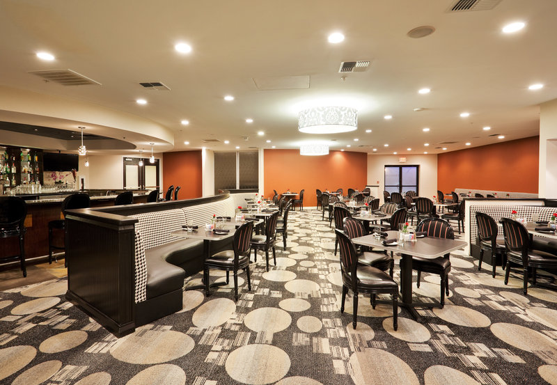 Crowne Plaza Sacramento Northeast-Arbor Grille restaurant at the Crowne Plaza Sacramento<br/>Image from Leonardo