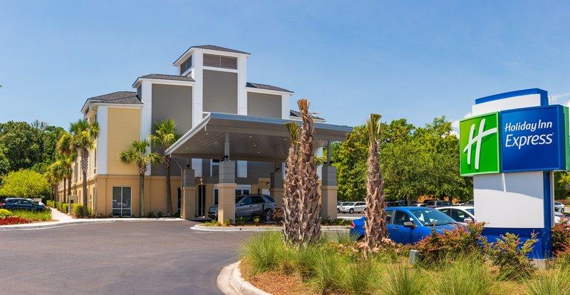 Holiday Inn Express Charleston US Hwy 17 & I-526-Holiday Inn Express Charleston - Daytime Exterior <br/>Image from Leonardo