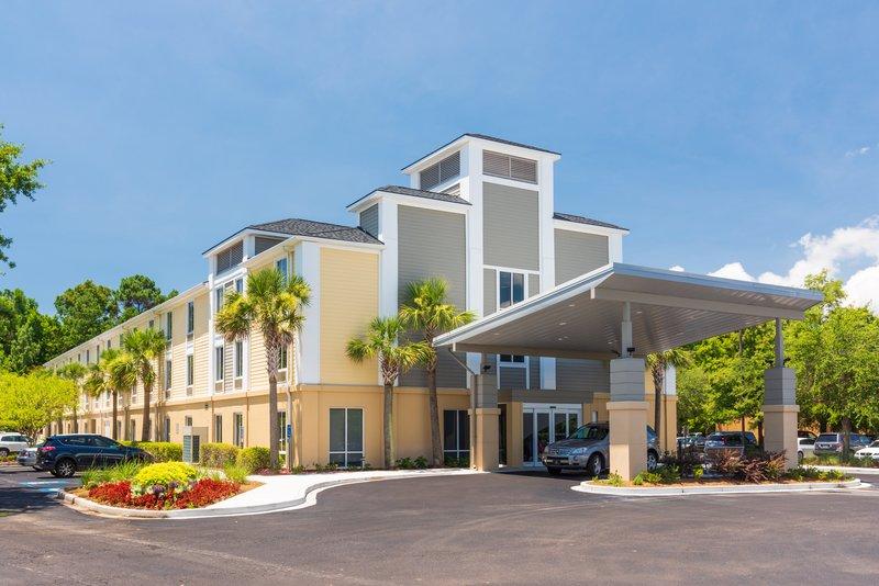 Holiday Inn Express Charleston US Hwy 17 & I-526-Holiday Inn Express Charleston - Daytime Exterior<br/>Image from Leonardo