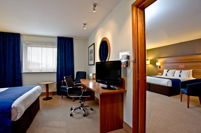 Holiday Inn Express Shrewsbury-Convenient Nonsmoking Connecting Guest Room<br/>Image from Leonardo