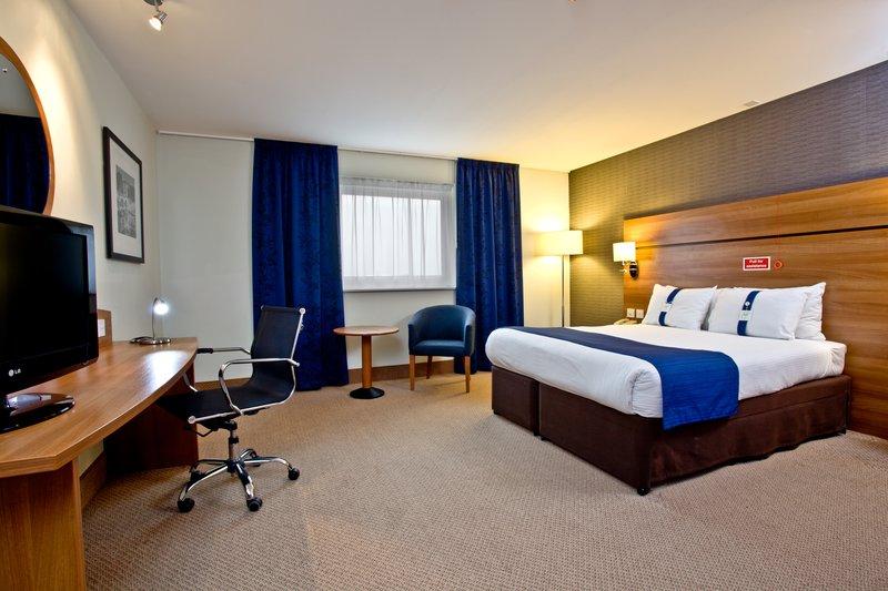 Holiday Inn Express Shrewsbury-Spacious King Nonsmoking Room<br/>Image from Leonardo