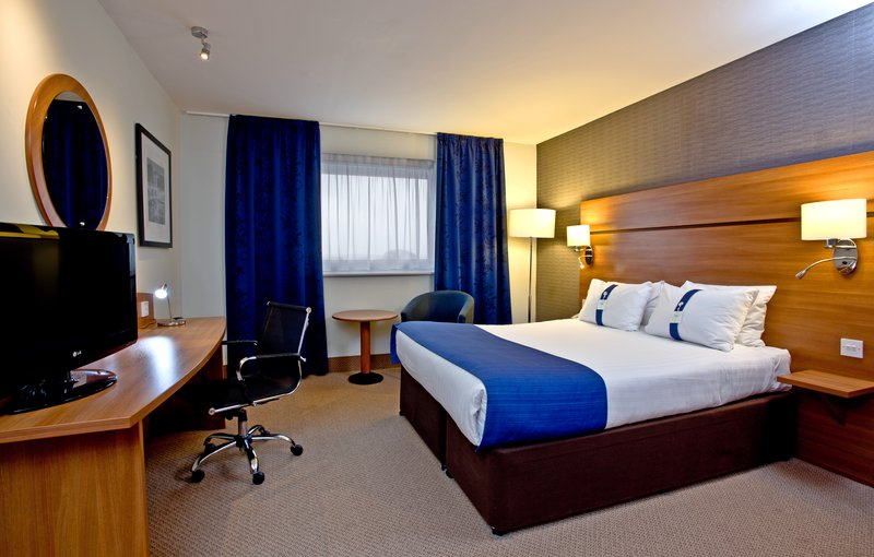 Holiday Inn Express Shrewsbury-Comfortable ADA/Accessible One King Nonsmoking Guest Room<br/>Image from Leonardo