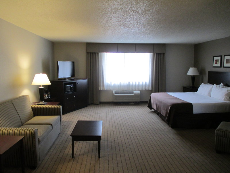 Holiday Inn Elmira - Riverview-A spacious Deluxe Room<br/>Image from Leonardo