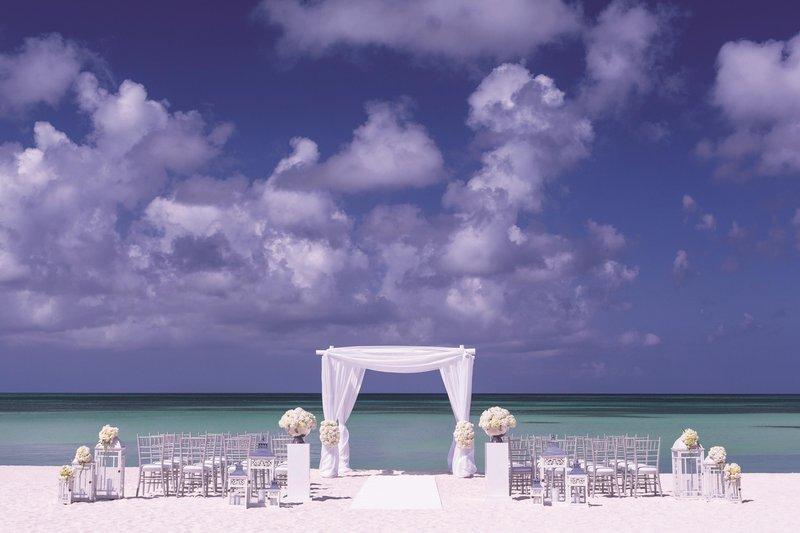 THE RITZ-CARLTON, ARUBA - Outdoor Wedding Ceremony <br/>Image from Leonardo