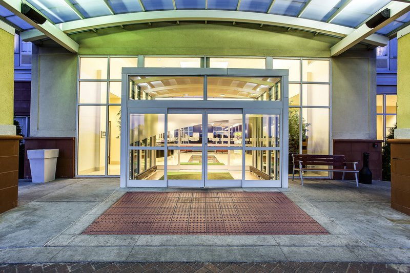 Holiday Inn Louisville Airport - Fair/Expo-Entrance <br/>Image from Leonardo