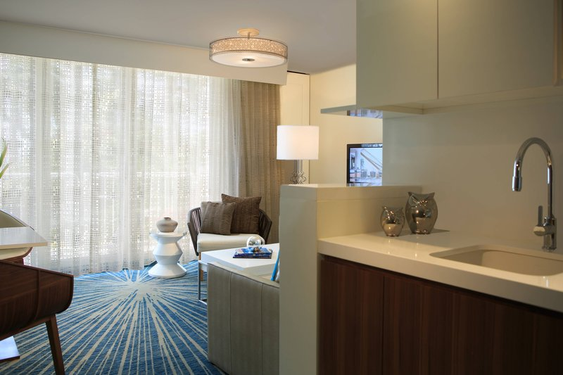Renaissance Aruba Resort & Casino - Ocean Suites - Island Suite <br/>Image from Leonardo