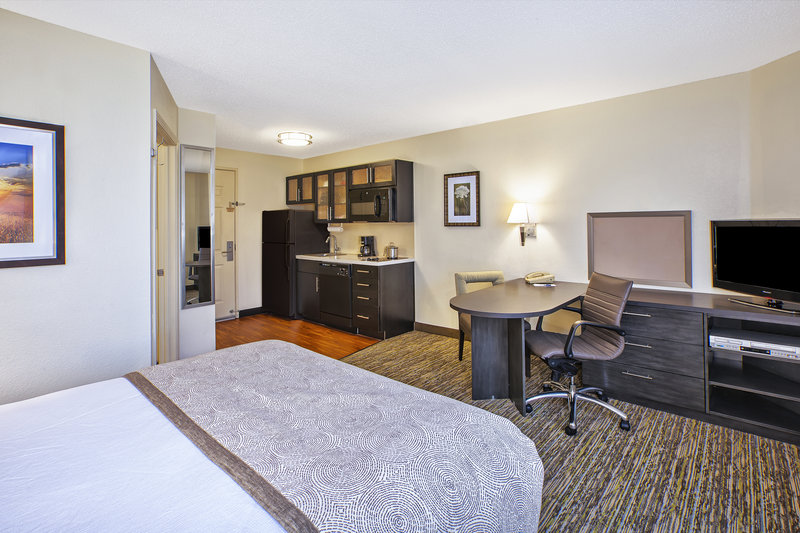 Candlewood Suites Indianapolis-Guest Room<br/>Image from Leonardo