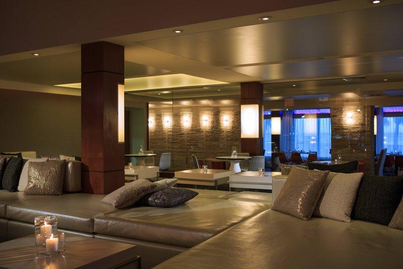Renaissance Aruba Resort & Casino - L.G. Smith's Steak & Chop House - Lounge <br/>Image from Leonardo