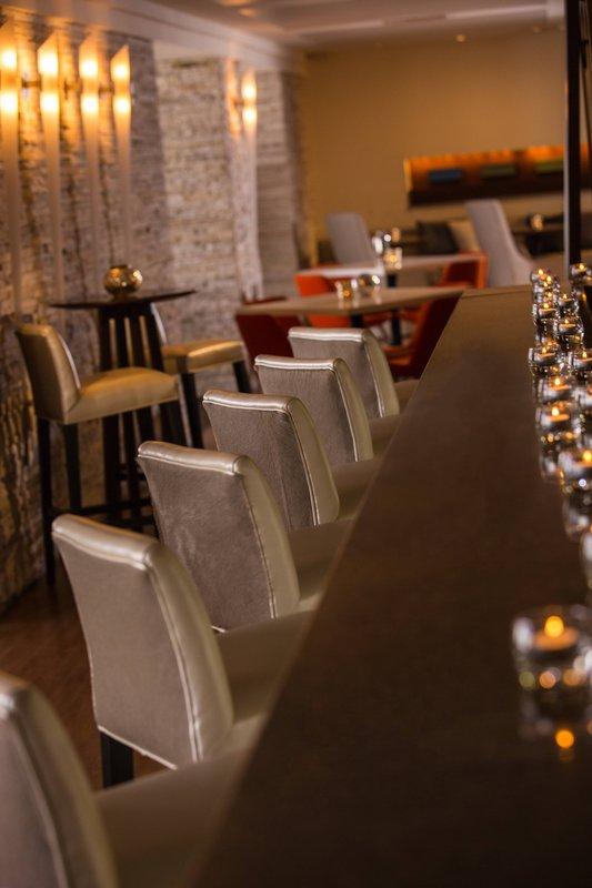 Renaissance Aruba Resort & Casino - L.G. Smith's Steak & Chophouse - Bar <br/>Image from Leonardo