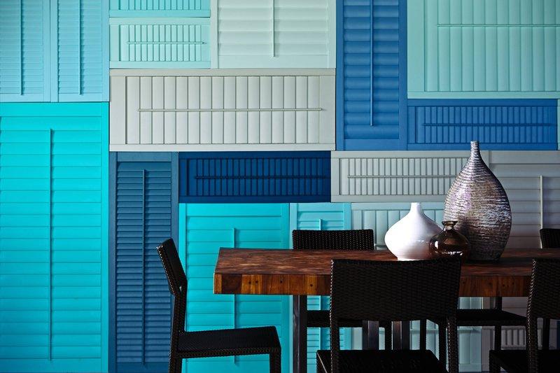 Renaissance Aruba Resort & Casino - Papagayo Bar & Grill - Communal Table <br/>Image from Leonardo