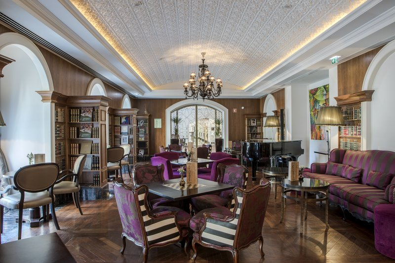 Intercontinental Porto - Palacio das Cardosas-Cardosas Bar Lounge<br/>Image from Leonardo