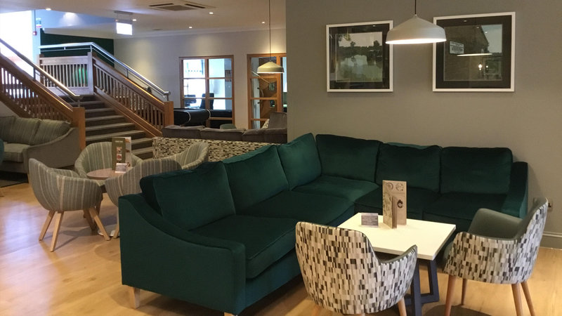Holiday Inn Rugby-Northampton M1, Jct.18-Lounge<br/>Image from Leonardo
