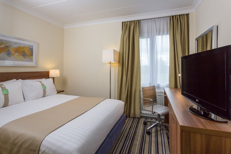 Holiday Inn Rugby-Northampton M1, Jct.18-Cozy Standard Guest Room<br/>Image from Leonardo
